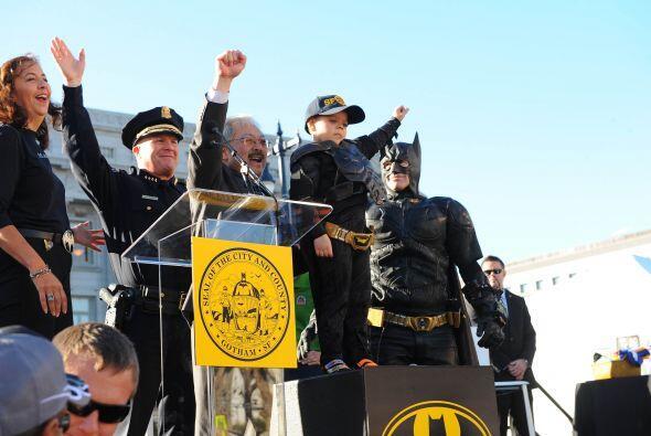 El alcalde de San Francisco, Ed Lee, le dio la llave de la ciudad por ha...