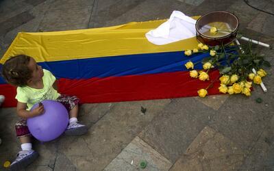 Colombianos celebran en Medellín el histórico acuerdo entr...