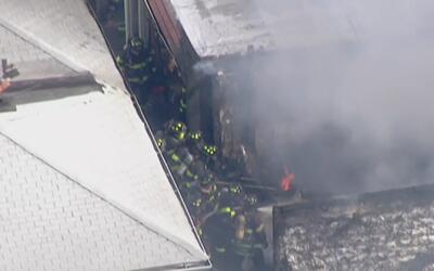 Al menos seis personas resultaron heridas tras un incendio en Brooklyn