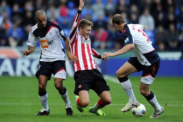 Por otra parte, Sunderland sorprendió al Bolton y le ganó...