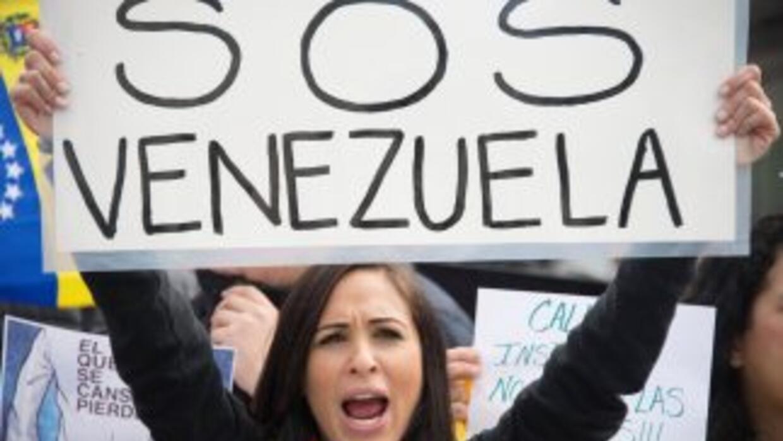 Venezolanos en EE UU piden sanciones contra Maduro