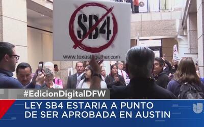 Diputados locales protestan contra la propuesta de ley SB4, que busca ac...