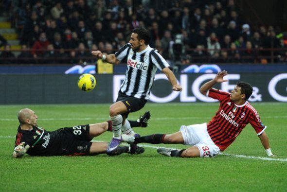 Fabio Quaglierella tuvo en sus pies el 1 a 1 pero no pudo batir a Christ...
