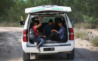 Inmigrantes indocumentados en la Patrulla Fronteriza.