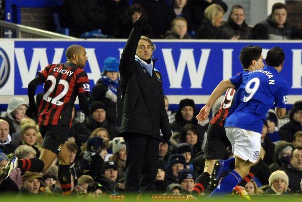 Ni las indicaciones del técnico Roberto Mancini sirvieron para marcar di...