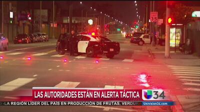 Disparan contra dos policías en Los Ángeles