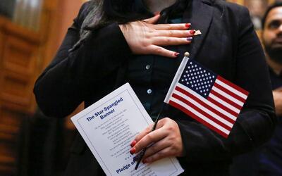 Este sábado 20 de mayo habrá taller de ciudadanía para residentes perman...