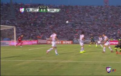 Monterrey vs Santos: Carlos Quintero casi anota el primer gol