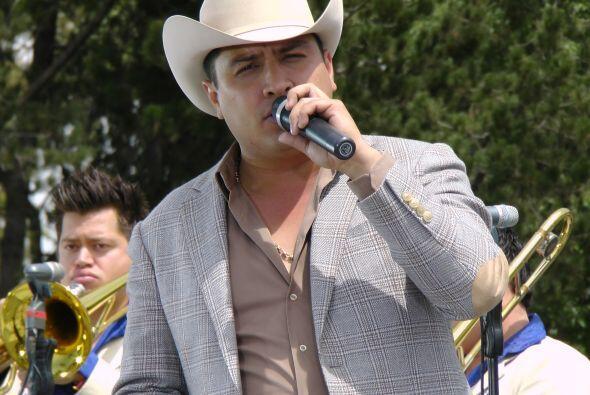 Viene para asistir a Alejandra Guzmán y Larry Hernández co...