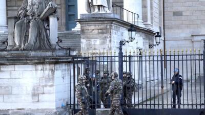 Soldados franceses en París tras los atentados.