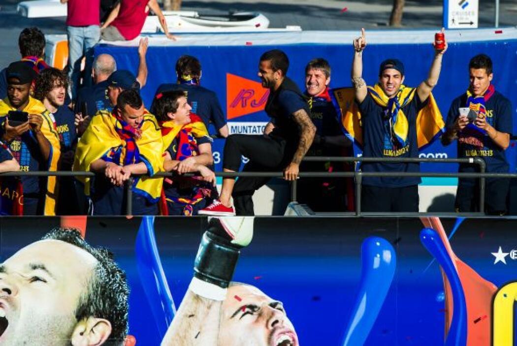 Los futbolistas del Barcelona dejaron de lado las críticas y malos momen...
