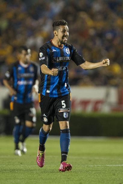 Yasser Corona.- El defensa del Querétaro está cuajando una...