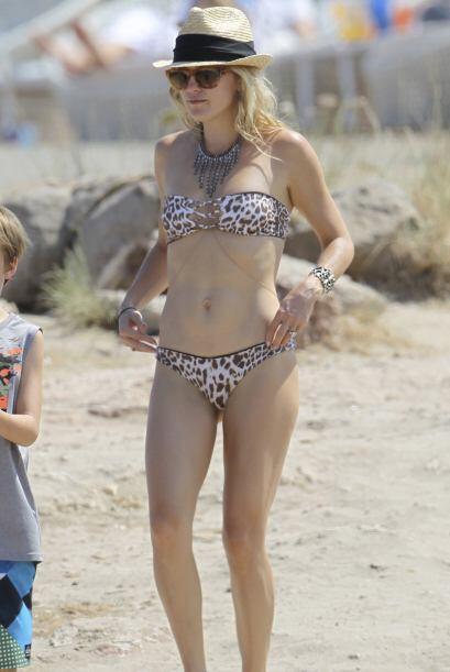 A maduritas como Kate Hudson no les da miedo probarse diminutos bikinis...