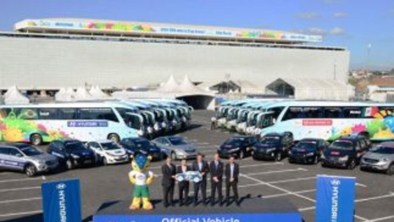 Hyundai entregó 1021 vehículos a la FIFA para su uso oficial durante el...