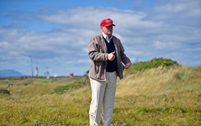 El presidente Donald Trump ha visitado 13 veces diferentes campos de gol...
