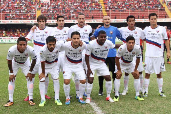 El Atlante visitó a los Tiburores Rojos en Veracruz en un duelo v...