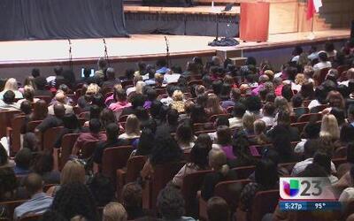 Dos mil nuevos profesores en el DISD