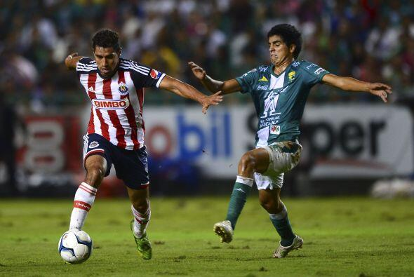 En la misma jornada León recibe a las Chivas, en uno de los duelo...