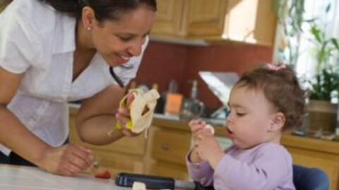 Cuando usted alimente a su bebé también estará contribuyendo a que se si...