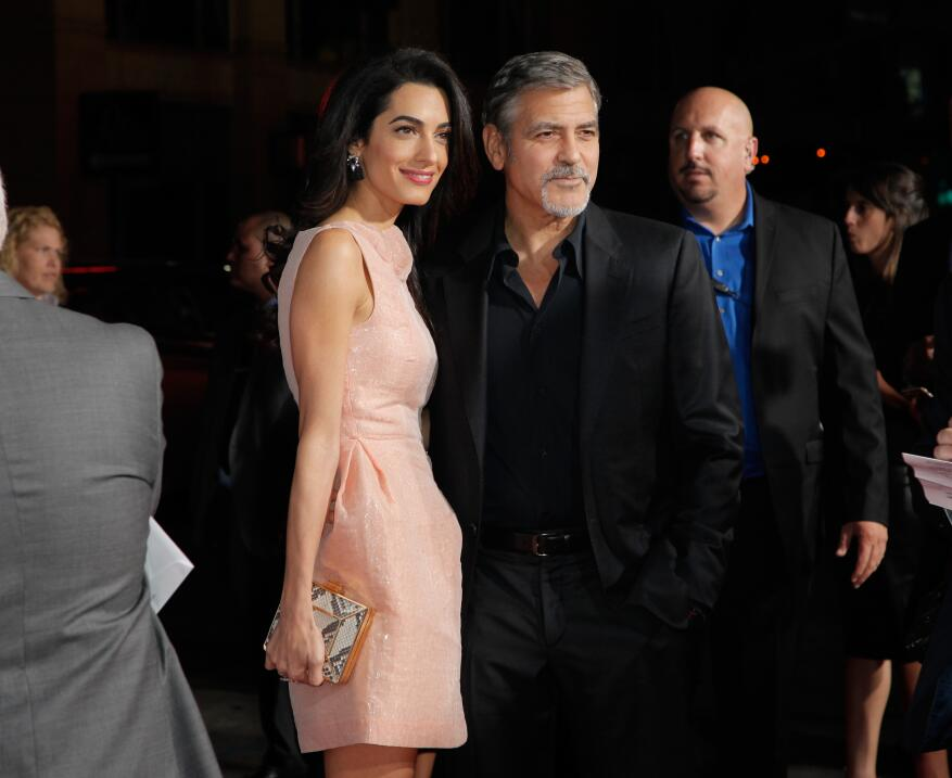 George y Amal Clooney en el estreno de 'Our Brand Is Crisis'