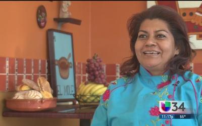 """Rocío Camacho, la """"diosa de los moles"""" en LA"""