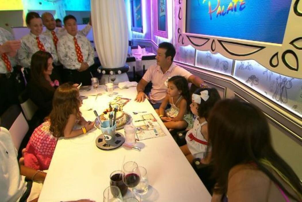 Camila celebró su cumpleaños con sus padres y hermanos.