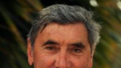El velocista Eddy Merckx, ganador en cinco ocasiones del Tour de Francia...