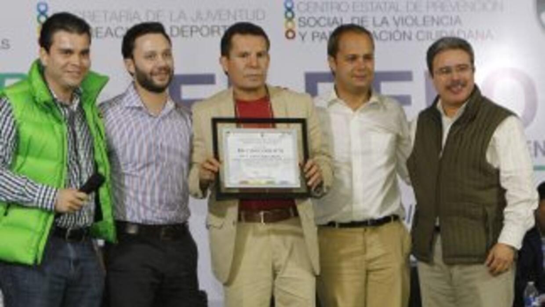 Julio César Chávez ofreció este una plática conferencia a personas de t...