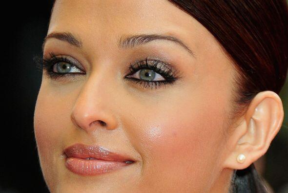 Lo más hermoso en el rostro de Aishwarya Rai son los tremendos ojazos qu...