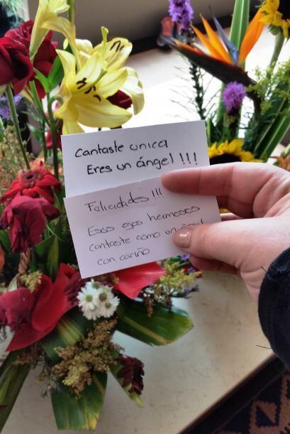 Y le volvieron a enviar flores a mi Ana Cristina… ¿Me pregunto qu...