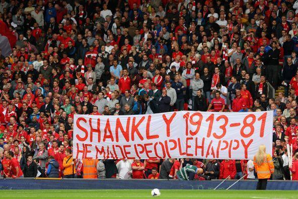 La casa del Liverpool rendía tributo al escocés Bill Shankly, mítico téc...