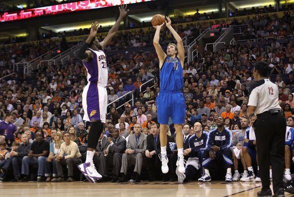 5. El ala-pívot de los Dallas Mavericks, Dirk Nowitzki.