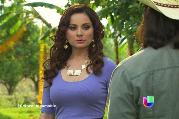 Lucía amenaza a Eusebio con matarlo si se atreve a decir una sola palabr...