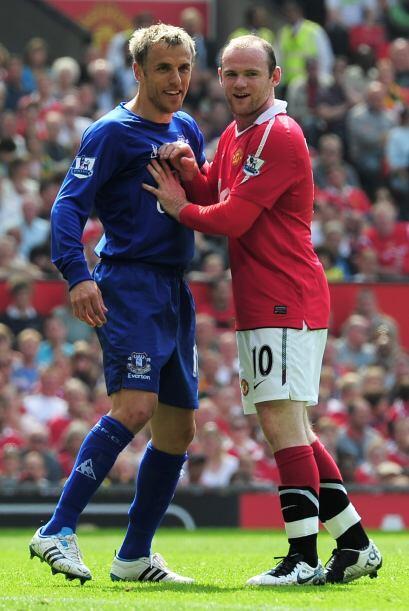 A Rooney le hicieron marca pesonal y no lo dejaron mover.