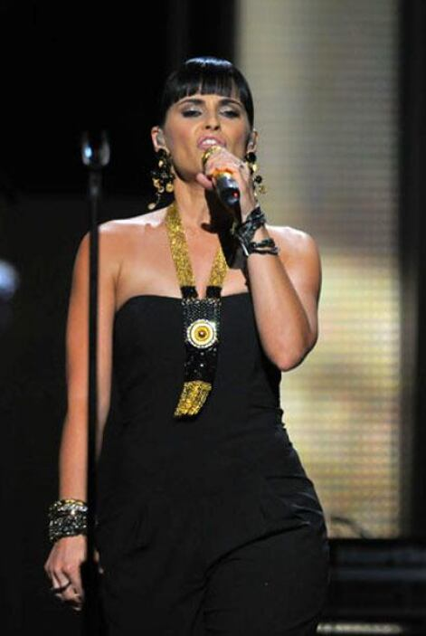Por primera vez la cantante canadiense Nelly Furtado se presentó en Prem...