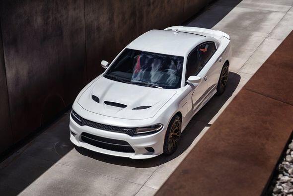 El totalmente nuevo Dodge Charger SRT Hellcat 2015, es un auténti...