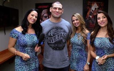 Las Senadoras conocieron Caín Velásquez más allá del octágono de la UFC