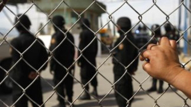 La violencia al interior de prisiones mexicanas se ha vuelto recurrente...