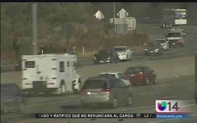 Cierre de autopista provoca pesadilla vial
