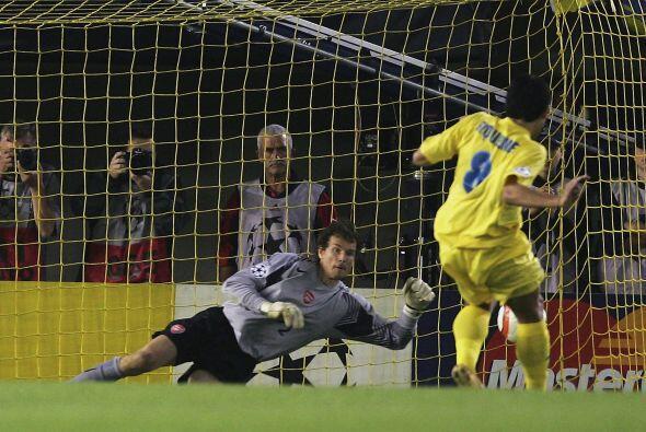 En el 2005 disputó la Champions League con el Villarreal (primera...