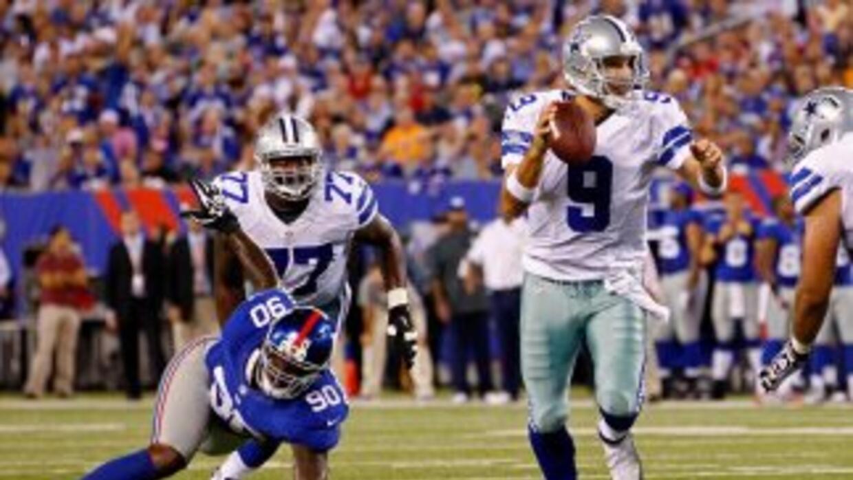 Tony Romo se lució ante la agresiva defensa de los campeones del Super B...