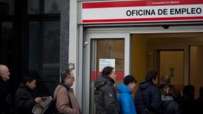 EnEspaña, la tasa de desempleo en noviembre fue del 26.6%, cuatro décim...