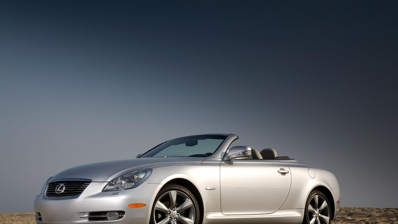 El Lexus SC430 2009 es uno de los vehículos afectados por la expansión d...