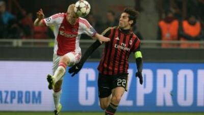 Ajax no logró rentabilizar la expulsión del Milan y los italianos lograr...
