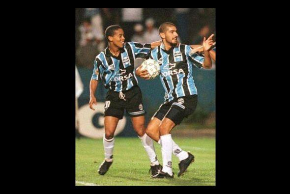 Su primer gol como profesional lo marcaría 27 días después ante las Chiv...
