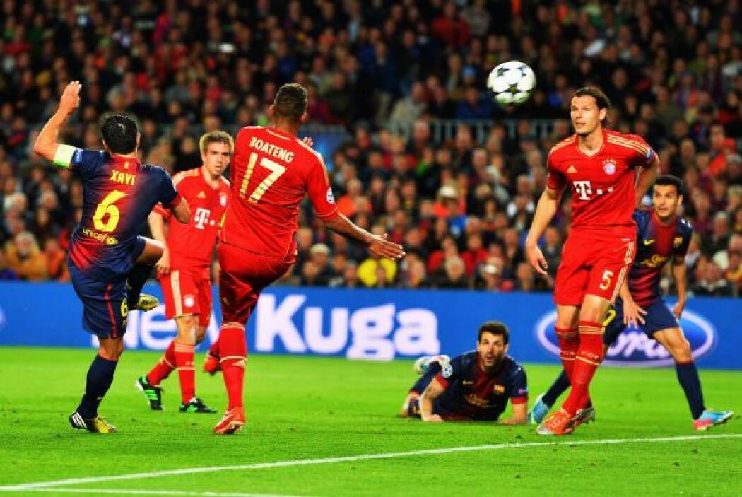 Xavi tuvo la ocasión de mayor peligro para Barcelona, mandando el balón...