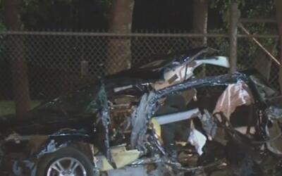 Buscan al conductor que huyó tras causar un accidente en la calle Dairy...