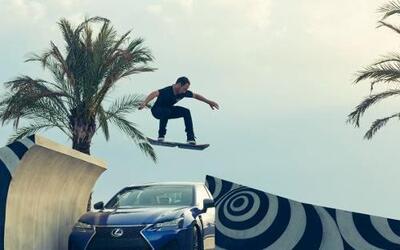 La automotriz mostró en un video el Hoverboard, un skate flotante que a...