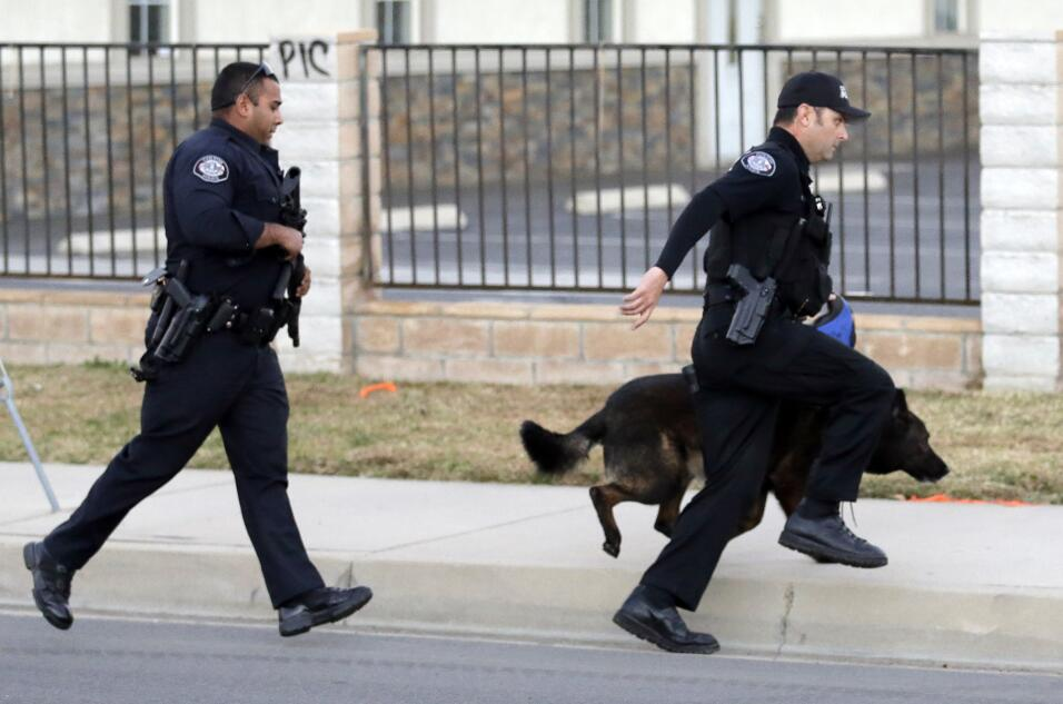 Hispanos consternados por tiroteo en California  sanbernardino9.jpg