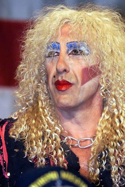 Dee Snider se sigue maquillando como cuando en los años 80 alzanz...